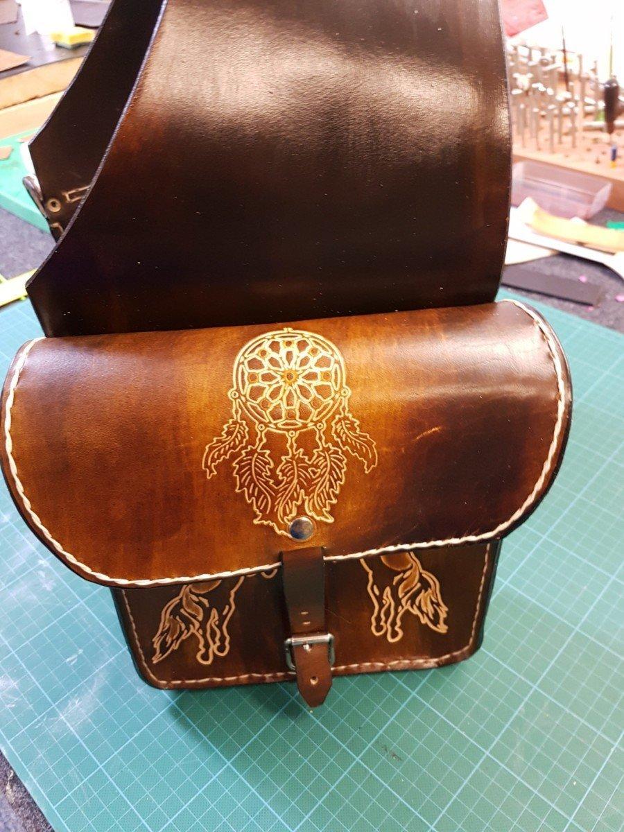 Usnjena torba za na sedlo